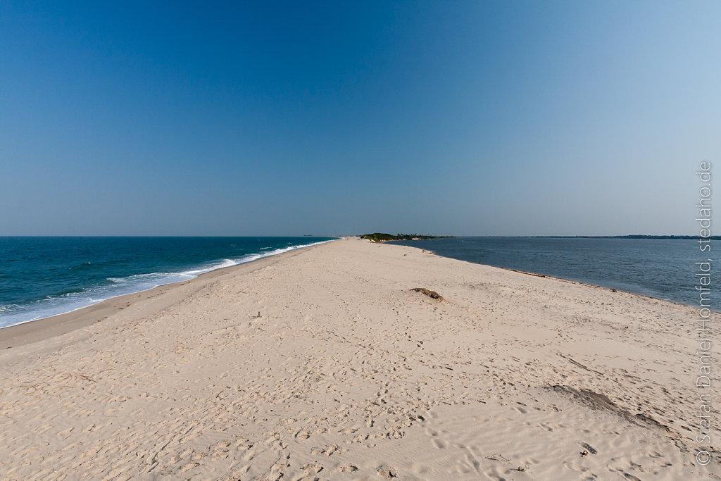 Süß- und Salzwasser an einem Strand