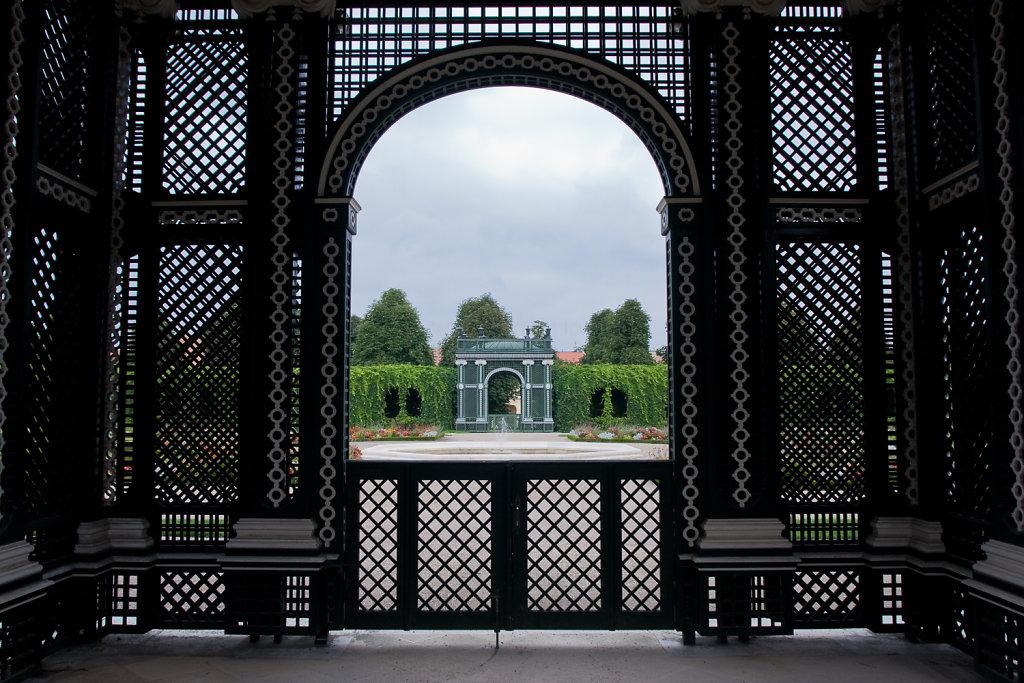 Pavillon im Kronprinzengarten im Schlosspark Schönbrunn